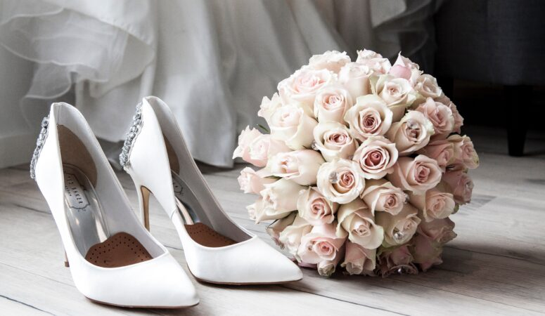 How To Plan A Wedding Without Going Broke